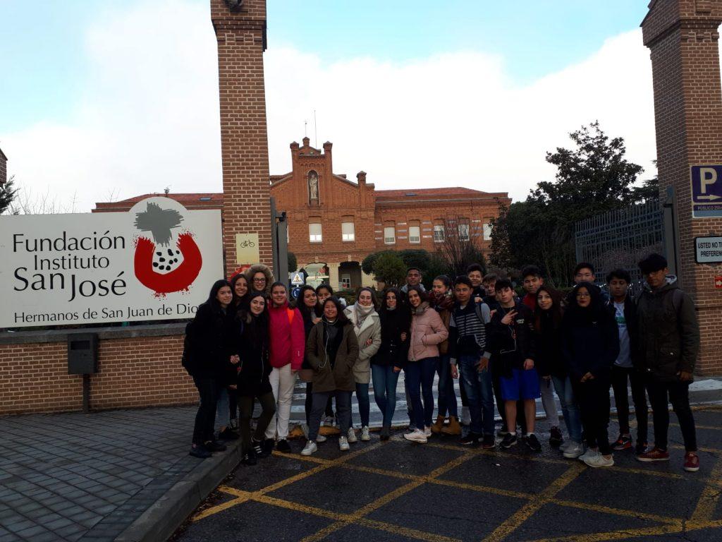 Los alumnos de 1 de Bachillerato CT muestran su espíritu solidario.