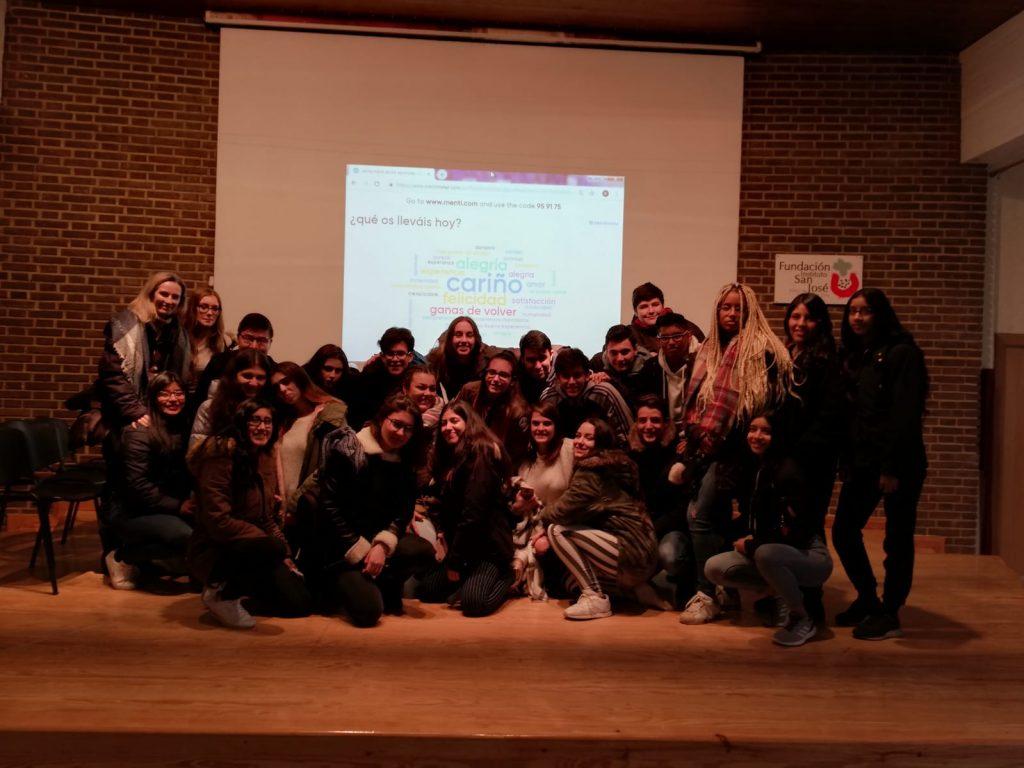 Los alumnos de 1º de Bachillerato, asisten a la Fundación Instituto San José.
