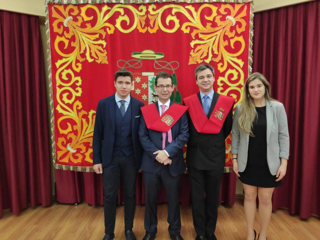 Solemne acto de entrega de Becas en el C.M.U. Diego de Covarrubias
